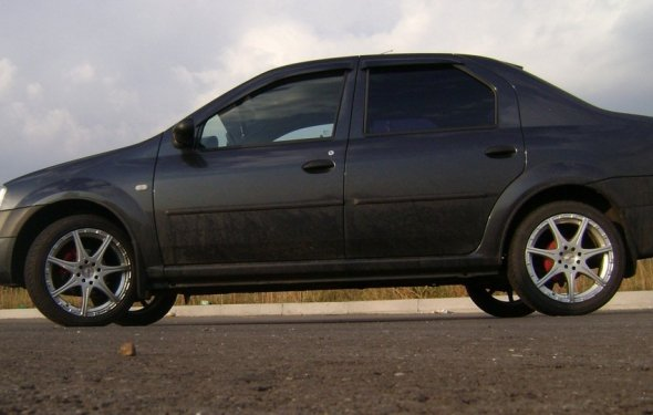 Renault Logan (1st generation)